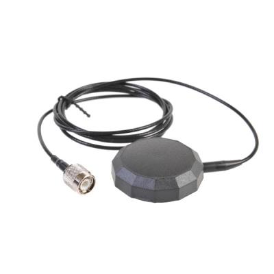 Автомобильная антенна для спутниковых телефонов Iridium  Внешняя магнитная автомобильная антенна для спутниковых телефонов Iridium обеспечивает устойчивый прием сигнала спутниковой связи в движении на транспортных средствах. Магнитная антенна крепится с внешней стороны транспортного средства.